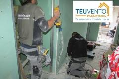 Compañeros de pladur electricidad y fontanería trabajando en una reforma completa. REGULARIDAD. TEUVENTO.COM Todos los gremios en plantilla