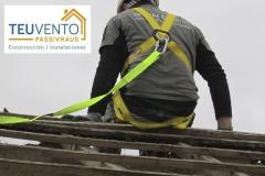 Desmontando cubierta de teja para su reposición