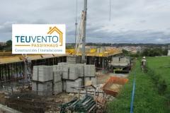 Preparándonos-para-hormigonar-el-forjado-de-planta-primera-de-esta-PASSIVHAUS-Coruña-Vigo