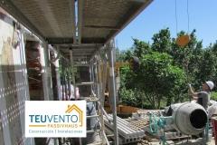 Preparándonos-para-subir-viguetas-para-tabiques-palomeros-a-cubierta-Coruña
