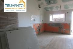 Preparados-con-orden-y-limpieza-para-iniciar-instalación-de-cocina-en-esta-REHABILITACION-completa-Coruña