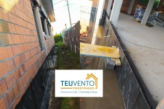 Preparados-para-aplicar-aislamiento-por-el-exterior-en-esta-PASSIVHAUS-Coruña-Vigo