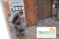 Tabicando-en-esta-rehabilitación-con-componente-estructural-en-Oleiros