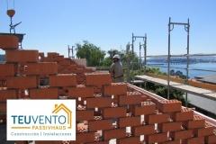 Tabiques-palomeros-en-cubierta-de-nueva-edificación-en-Rías-Altas-Coruña