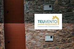 Trabajando-el-encintado-de-piedra-en-una-rehabilitación-Coruña-Vigo