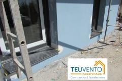 Ya-instalada-pizarra-como-alfeizar-en-esta-nueva-edificación-en-la-que-podremos-finalizar-la-pintura-Coruña