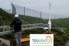 Aerogenerador montado en una instalación aislada con torre de celosía. TEUVENTO.COM. #AUTOCONSUMO. Todos los gremios en plantilla