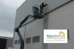 Cambio-de-iluminación-exterior-con-seguridad-en-un-gran-almacén-profesional-Coruña-Vigo