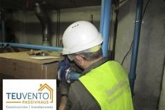 Conectando nuevas calderas en la reforma de una sala de un edificio de 50 viviendas
