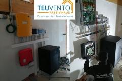 El interior de una instalación fotovoltaica aislada con baterias de litio. TEUVENTO.COM. Eficiencia Energética en Construcción e Instalaciones