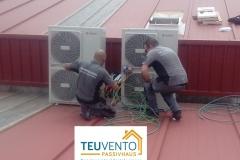 Instalación de equipos de climatización en una empresa del polígono de Bergondo. TEUVENTO.COM. Todos los gremios en plantilla