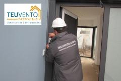 Instalación-de-puerta-con-apertura-con-teclado-en-esta-nueva-edificación-Coruña-Vigo