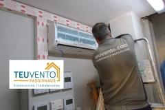Instalación de unidad interior en zona rack de un workcenter. TEUVENTO.COM. Eficiencia Energética en Construcción e Instalaciones