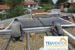 Instalando-solar-térmica-con-colectores-de-tubos-de-vacío-HEAT-PIPE.-Subvenciones-Rehabilitación-2019-en-TEUVENTO