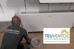 Instalando unidades Suelo-Techo de climatización en un establecimiento comercial. TEUVENTO.COM. Todos los gremios en plantilla