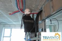 Pasando-instalación-de-bomba-de-calor-para-ACS-en-esta-PASSIVHAUS.-Prepare-con-TEUVENTO-PASSIVHAUS-Subvenciones-40-para-Rehabilitación-Galicia-2019