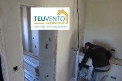Pasando instalaciones eléctricas en esta nueva vivienda de Lorbé. TEUVENTO.COM. Subvenciones 2019